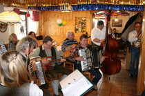 Musikanten spielen auf im Bräustüberl Zwiesel